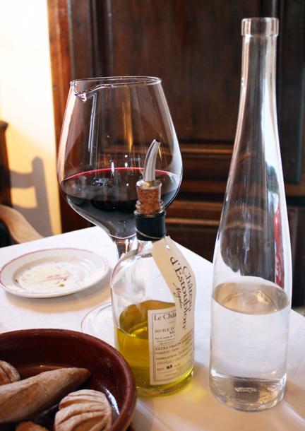 Restaurant Les Platanes St Etienne De Fontbellon